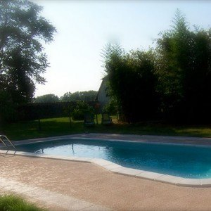 piscina agriturismo 300x300 The swimming pool in the farm house